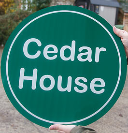 Round reflective sign in green composite board