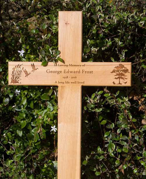 Very attractive oak memorial cross