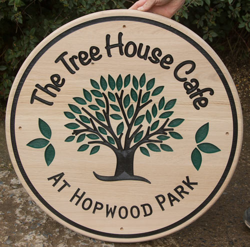 Large round wooden sign in 45mm oak