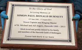 Memorials & Memorial Plaques made in brass aluminium, bronze, slate, granite, corian, woo, zinc, stainless steel, porcelain ...